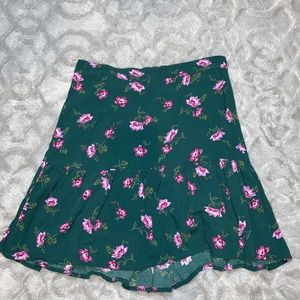 Green floral skirt from Old Navy! NEVER WORN!